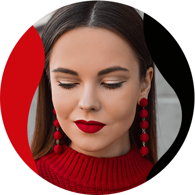 FashionTrends-Combine your makeup with the clothes that are in fashion-Look your best with the perfect combination of clothes and makeup for any occasion