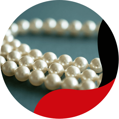 FashionTrends-Pearls-are-considered-a-luxury-accessory-and-you-can-wear-them-at-any-time-of-day