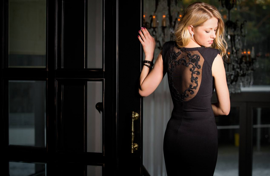 Fashion trends-Black clothes and how to stand out with the best outfit-Woman with black dress