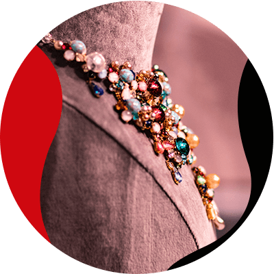Fashion Trnds and Style- how to add luxury jewelry to any outfit without overdoing- elegant look