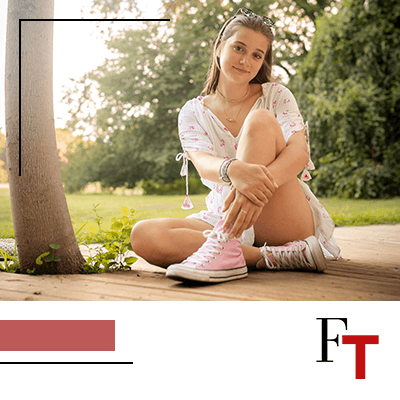 FashionTrends-woman wearing ligh pink converse