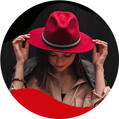 FashionTrends-The best way to wear your favorite hats-6-Travel hat